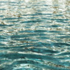 Clear Waves. Extra Large Water Canvas Art Prints up от irenaorlov