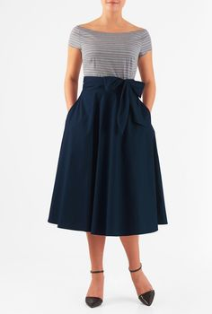 A vintage silhouette goes modern with our mixed media midi dress, styled with a wide boat-neck stripe chambray bodice and a cotton  poplin full skirt for feminine movement.
