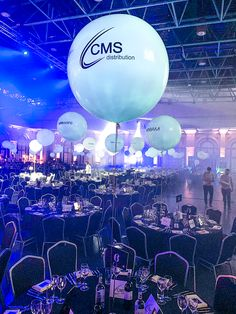 Are you in gala dinner prep yet? 🍽️ Our Biodegradable Branded Giant Balloons make the best table centres! 😍 A perfectly conscious event decor decision 🌍 . Event Branding, Corporate Branding, Branding Ideas, Corporative Events, Bubblegum Balloons, Giant Balloons, Company Party, Gala Dinner, Event Decor