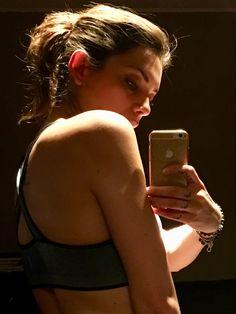 Giulia Zambelli giornalista che lavora nel campo della moda. Sport e fitness le sue passioni. Si occupa clean eating. IstruttoreFunzionale di Fitness.