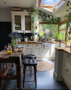 Home Decoration 👍 katalay.net/home-decoration/ #homedecor #homedecoration #homesweethome #home Living Room Interior, Kitchen Interior, Home Interior Design, Kitchen Decor, Interior Decorating, Kitchen Ideas, Decorating Ideas, Cabin In The Woods, Home Decor Inspiration