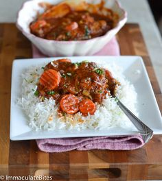Chicken Stew (African Style)Ingredients ¼-1/2 cup oil 3- 3½ pound chicken cut in pieces 5-6 Roma tomatoes or 2 cups tomato puree 1 medium onion sliced 1 teaspoon minced garlic 1½ teaspoon dried thyme 1 Tablespoon paprika ¼ teaspoon curry powder 1 bay leaf 1 tablespoon maggi or bouillon granules 2 green onion chopped whites and green parts 3 tablespoon parsley 1- 2 cups of sliced carrots Salt and pepper to taste Instructions