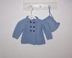Dobbeltspendt jakke/frakk og lue til baby.