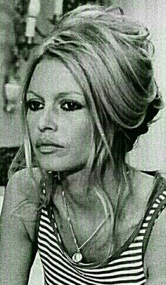 Brigitte Bardot Brigitte Bardot, Bridget Bardot Hair, 1960s Hair, And God Created Woman, Classic Beauty, Beauty Routines, Belle Photo, Hair Goals, Her Hair