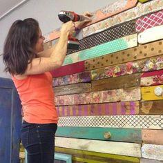 Sådan kan man lave en meget anderledes vægdekoration… (via Bloglovin.com ) Ny sengegavl måske Tina Dalbøges blog