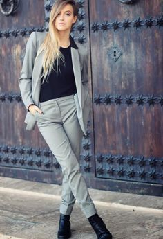 official photos 45aae 22f2a 18 Stylish Office Outfit Ideas for Winter 2018