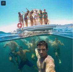 Jangan sedih kalau enggak bisa bikin foto kayak gini (foto: Snopes).