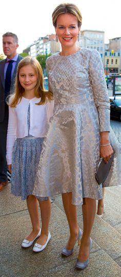 La reina Matilde y su hija Elisabeth, duquesa de Brabante y heredera al Trono de los belgas.