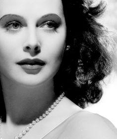 Urbanus in Urbis • wehadfacesthen: Hedy Lamarr, 1941