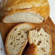 Paine de casa reteta simpla pas cu pas care nu da gres. Paine pufoasa cu coaja subtire si rumena si cu miez moale si aromat. Sunt multe retete de paine insa Bread Recipes, Cooking Recipes, Good Food, Yummy Food, Puff Pastry Recipes, Romanian Food, Pastry And Bakery, Russian Recipes, Dough Recipe
