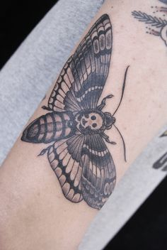 Death's-Head Hawkmoth tattoo (Acherontia Styx). I want!! Make money pinning! JOIN MY TEAM! Start here: http://www.earnyouronlineincomefast.com