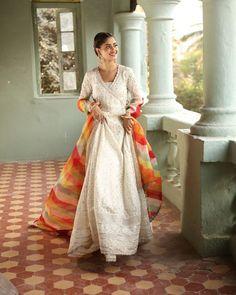 Diwali Dresses, Pakistani Dresses Online, Pakistani Outfits, Pakistani Bridal Wear, Pakistani Dress Design, Indian Bridal, Famous Clothing Brands, Designer Party Wear Dresses, Desi Wear