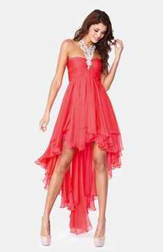 Stand Out in the crowd in this strapless sweetheart neckline dress with bodice lace and bead work over lay, beaded rope waist band leading to a a full swirling skirt and that perfect lace up back for an unforgettable exit! Grad Dresses, Homecoming Dresses, Evening Dresses, Bridesmaid Dresses, Formal Dresses, Prom Dress, Bridesmaids, Dip Dye, Chiffon Dress