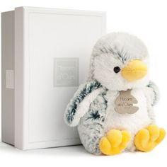 La peluche Pingouin Z'animoos  de la marque Histoire d'Ours permettra à votre enfant de commencer une jolie collection de peluches animaux toutes douces !