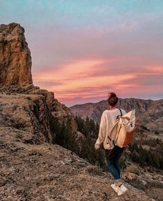 hiking pictures couple and hiking pictures We as Human being are social animals who often require a status at a . Adventure Awaits, Adventure Travel, Oh The Places You'll Go, Places To Visit, Foto Top, Hiking Photography, Foto Casual, Travel Goals, Travel Advice