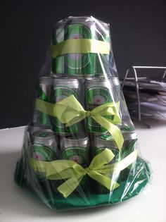 Beer gift, men present, Heineken Alcohol Bouquet, Creative Christmas Gifts, Presents For Men, Beer Gifts, Pin Collection, Happy Friday, Gift Baskets, Charity, Valentines Day