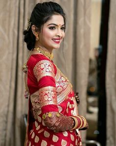 To make it easier for you, we have the top trending beautiful silk saree blouse designs so that you can choose the best for your saree look. Pattu Saree Blouse Designs, Fancy Blouse Designs, Bridal Blouse Designs, Indian Bridal Outfits, Indian Bridal Fashion, Indian Designer Outfits, Indian Bridal Makeup, Bridal Dresses, Blouse Back Neck Designs