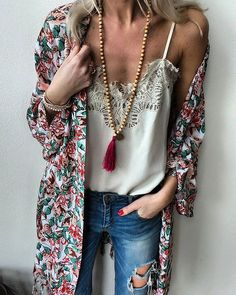 WEBSTA @ annamavridis - A new favorite in my closet ❤️ kimono necklace -> SALE bis auf Fashion -> klicken Moda Outfits, Komplette Outfits, Spring Outfits, Casual Outfits, Fashion Outfits, Kimono Fashion, Look Fashion, Trendy Fashion, Womens Fashion