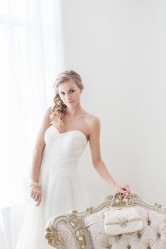 Every bride needs a gorgeous bridal clutch to carry all her essentials.