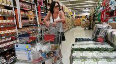 En 2017 ya se labraron multas a supermercados por más de $ 18 millones   La Dirección Nacional de Defensa del Consumidor organismo dependiente de la subsecretaría de Comercio Interior de la Nación estableció multas a supermercados por $ 18.330.500 en los primeros 5 meses de 2017 por infracciones a las leyes de Lealtad Comercial de Metrología y de Defensa del Consumidor. En el marco de las políticas de protección al consumidor se realizaron inspecciones en 323 locales de cadenas de…