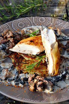 Chapon farci aux champignons forestiers et galettes de pommes de terre
