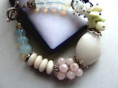 Big White Agate chunky bracelet Light pink quarz by BalticSummer