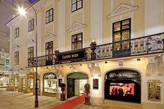 http://www.casino-urlaub.at/casino-wien.de.htm  Casino Wien im Palais Esterhàzy im Herzen der Stadt  Wien gilt als Kulturhauptstadt Europas und als moderne Lifestyle-Metropole.  Planen Sie für Ihren Kurzurlaub einen Besuch des Casinos Wien mit ein.