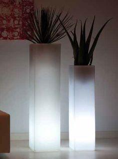 Vondom #Pflanzturm TORRE CUADRADA LED RGBW