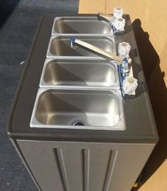 Portable-Sink-Mobile-Concession-compartment-hot-water-4-compartment