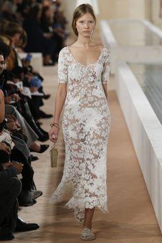 Balenciaga Spring 2016 Ready-to-Wear Fashion Show - Anabel Krasnotsvetova