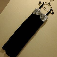 WOMENS HOLIDAY PARTY SPECIAL EVENT MAXI DRESS SZ 8 SUPER SOFT VELVET MATERIAL, WITH MATCHING JACKET POLYESTER. JACKET IS LONG SLEEVE, HAS HOOK CLASPS.  FANCY LOOK, LUXURIOUS FABRIC. ZIPS IN BACK.  Small FADING on straps.   BY LEE JORDAN NEW YORK MAKE OFFER! Unlisted Dresses Maxi