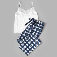 Pajama Outfits, Casual Outfits, Cute Outfits, Fashion Outfits, Women's Casual, Plaid Pajamas, Cute Pajamas, Pyjamas, Comfy Pajamas