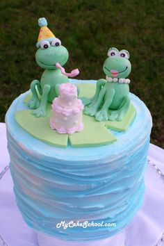 How to make a frog cake topper- instructions are super clear with great illustrations