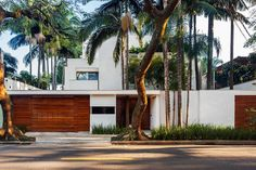 Contemporary Home x Reinach Mendonça Arquitetos Associados | MR.GOODLIFE. - The Online Magazine for the Goodlife.