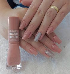 Semi-permanent varnish, false nails, patches: which manicure to choose? - My Nails Square Acrylic Nails, Square Nails, Acrylic Nail Designs, Stylish Nails, Trendy Nails, Nude Nails, My Nails, Perfect Nails, Manicure And Pedicure