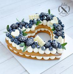 Image could contain: food - Motiv-Food - Cakes Food Cakes, Cupcake Cakes, Cookie Cakes, Pretty Cakes, Beautiful Cakes, Amazing Cakes, Nake Cake, Birthday Cake Decorating, Cake Birthday