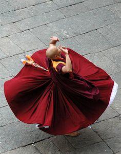Ritual Tibetan Dance-Les moines du Tibet Tashilhunpo enseignent juin Cham simple, ous de la danse sacrée, Qui est juin caracté ...