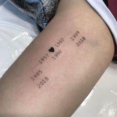 Cute Tattoos For Women Drawing Cute Tattoos For Women, Small Girl Tattoos, Baby Tattoos, Family Tattoos, Mini Tattoos, Body Art Tattoos, Tatoos, Mädchen Tattoo, Piercing Tattoo