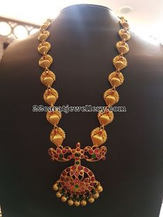 Peacock Beads Long Sets in Silver - Jewellery Designs Gold Jewelry Simple, Stylish Jewelry, Silver Jewelry, Fashion Jewelry, Ruby Necklace Designs, Sumo, Gold Jewellery Design, Jewelry Model, Temple Jewellery