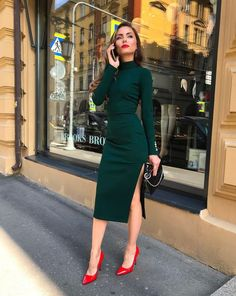 99 Latest Office & Work Outfits Ideas for Women Everything boils down to your dressing style! So, Ladies, it is time for you to pay close attention to your work and office outfits because they play… – Mode Outfits, Casual Outfits, Fashion Outfits, Winter Outfits, Dress Casual, Fashion Heels, Work Outfits Women Winter Office Style, Skirt Fashion, Work Outfits Office