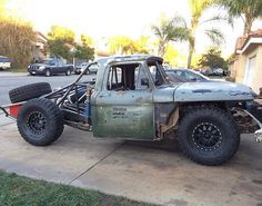 Rat rod trophy truck!! Hell yeah, I'm excited