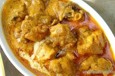 Mughlai Kesar Murg / Saffron Chicken Use fat free natural/Greek yoghurt for curd, omit cream and fry in Fry Light Indian Chicken Recipes, Veg Recipes, Spicy Recipes, Curry Recipes, Indian Food Recipes, Asian Recipes, Vegetarian Recipes, Cooking Recipes, Indian Foods