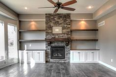 Integrity Homebuilders – Huizen bouwen in Kansas City – Tuin Built In Around Fireplace, Fireplace Built Ins, Home Fireplace, Fireplace Remodel, Living Room With Fireplace, Fireplace Design, Fireplace Ideas, Fireplace Stone, Fireplace Shelves