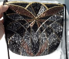 Vintage Beaded bag with lovely gold/copper and silver beading. Beaded Purses, Beaded Bags, Vintage Handbags, Beads, Elegant, Chic, Silver, Gold, Vintage Purses