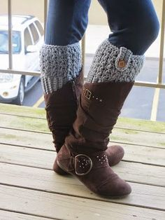 Boot cuffs are all the rage right now.  They add some interesting flair to your boots, while adding extra warmth to your legs!  This par...