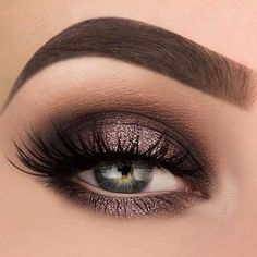 Gorgeous metallic looking Smokey eye makeup