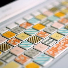 Add Japanese washi tape in several patterns to your keyboard.