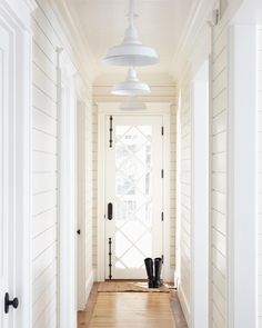 29 Stunning Urban Industrial Decor Designs For Your Urban Living Space white hallway white walls House Design, White Hallway, House, Urban Industrial Decor, Interior, Home, Cottage In The Woods, Ship Lap Walls, Shiplap Paneling