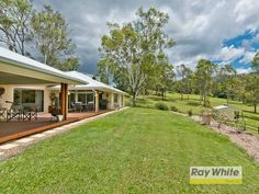 Equestrian Estate for Sale in Mount Samson County in Queensland. This superbly presented Brad McLachlan designed home, set in the idyllic and peaceful surrounds of the Mount Samson foot hills, offers executive living on 7.36 fully usable acres, perfect for the family lifestyle and horse lovers alike.