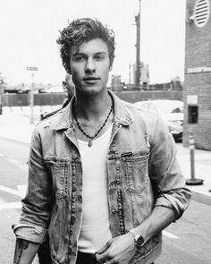 Shawn Mendes fragrance mist 8 oz (Pack of Shawn Mendes Cute, Shawn Mendes Memes, Brooklyn Night, Fangirl, Foto Gif, Shawn Mendes Wallpaper, Mendes Army, Nyc, Cute Guys